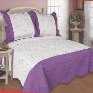 Cuvertura de pat alba cu violet realizata din bumbac