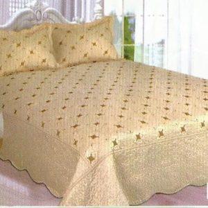Cuvertura de pat crem cu insertii aurii