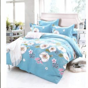 Lenjerie albastra cu flori