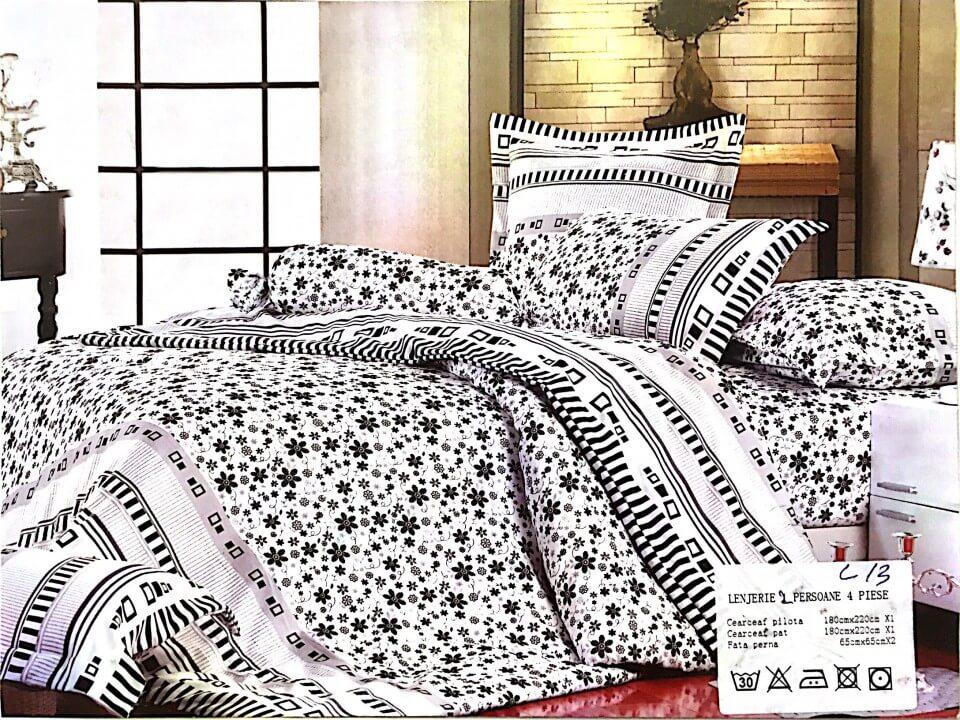 Lenjerie pat cu model floral alb si negru